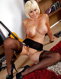 Superb Looking Blonde Housewife Drills Her Fuck Hole With A Dildo