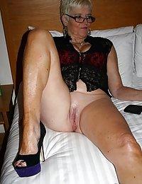 Fat grandma gives herself a hard dildo treatment