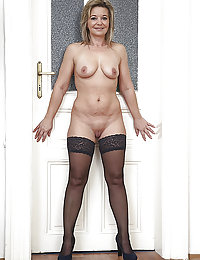Big Busty Mature Mom Has Perfect Tits Long Legs And Lots Of Will To Fuck A Big Dick