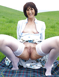 68-year-old grandma Layla's first porno!