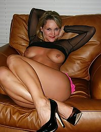 Lusty mature chick getting her shiny pantyhose creamed after steamy scoring
