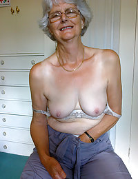 Exciting mature chubby getting naked
