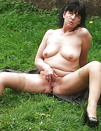 Big busty long haired leggy mom is being on audition to start porn actress career so take a look at her now