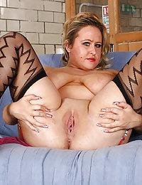 Skillful granny starring in hot POV blowjob movie