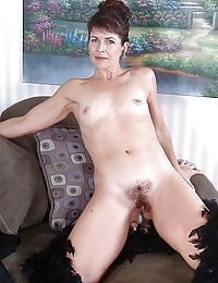 Mommy goes crazy with lust bouncing on a fat cock