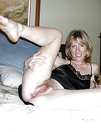 Mature slut takes cock deep down her tight asshole