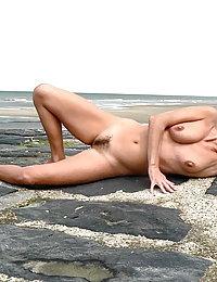 Smashing mature gal in classic pantyhose having hot desire to fuck non-stop