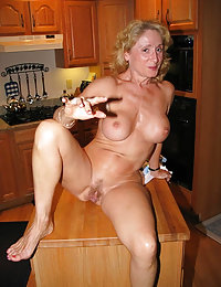Crummy blonde mom eager to feel a cock of a hung muscle stud in her asshole