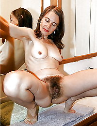 Hung boy shows his aged girlfriend what he's up to