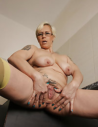 Sultry blonde mom fucks with a very hung stallion
